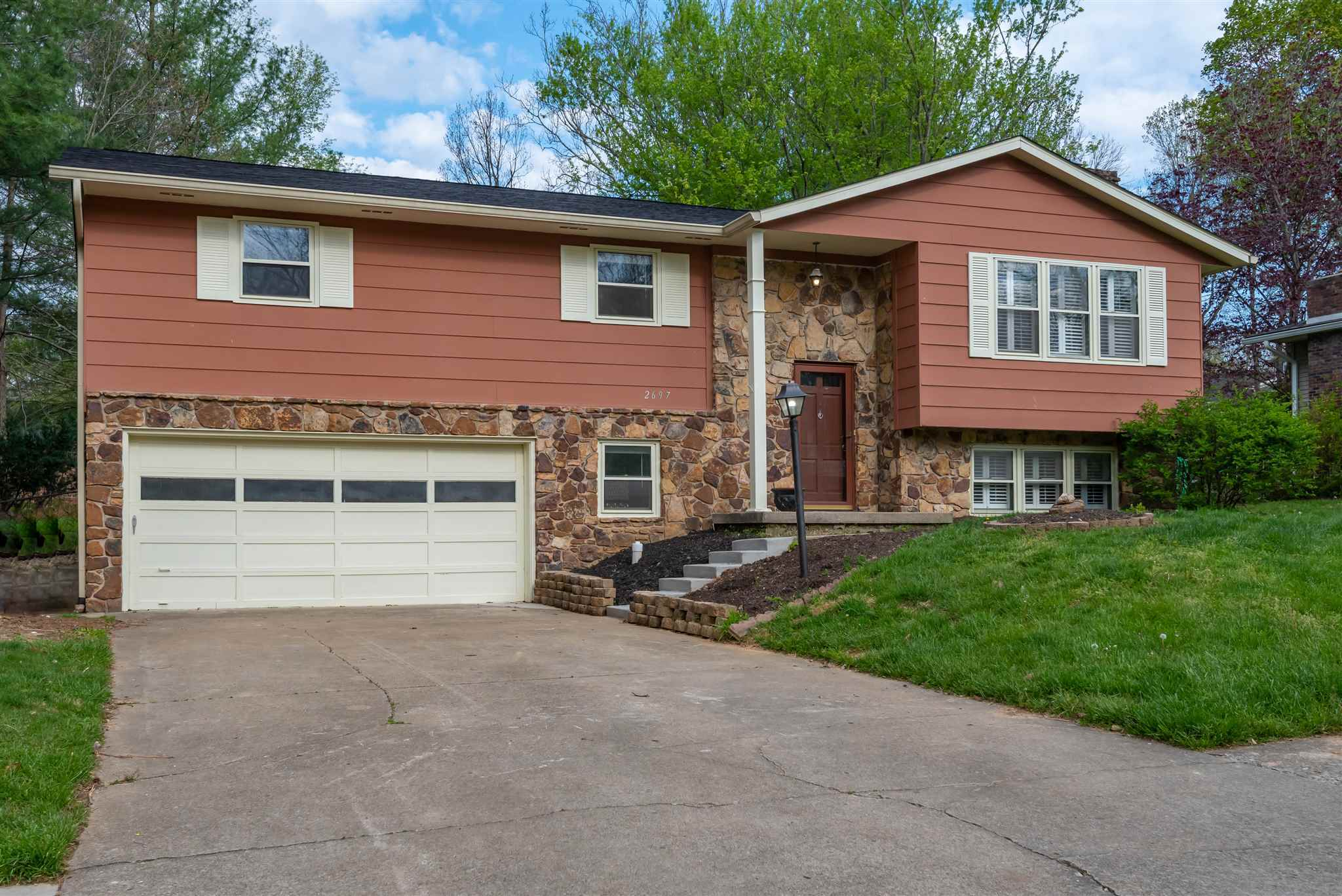 2697 E Rock Creek Drive Bloomington,IN 47401 202014724
