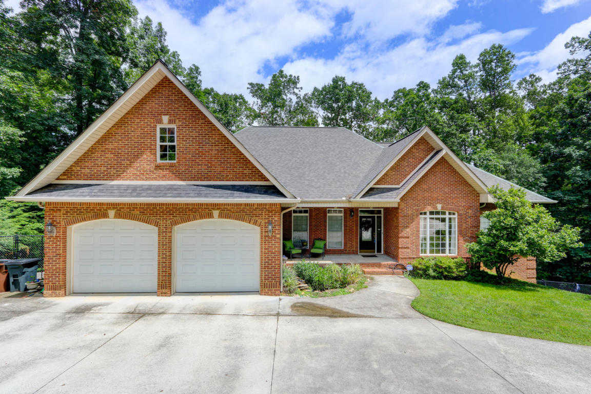 $339,900 - 3Br/3Ba -  for Sale in Westwood, Oak Ridge