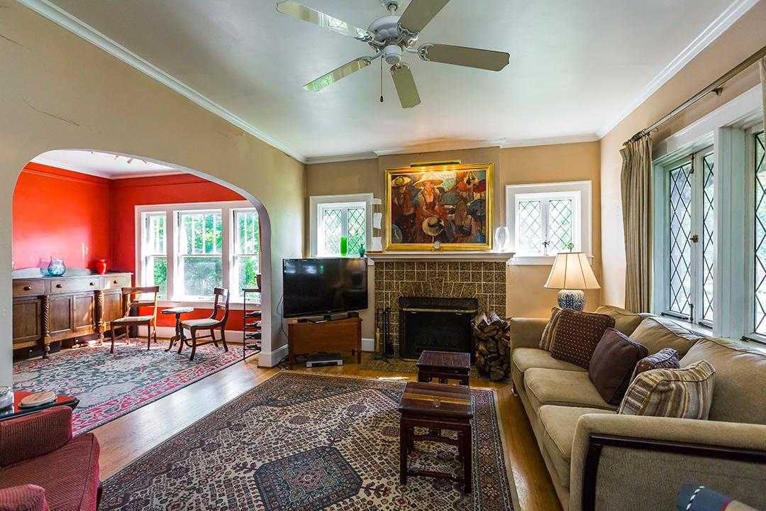$468,000 - 3Br/2Ba -  for Sale in Chevy Chase, Lexington