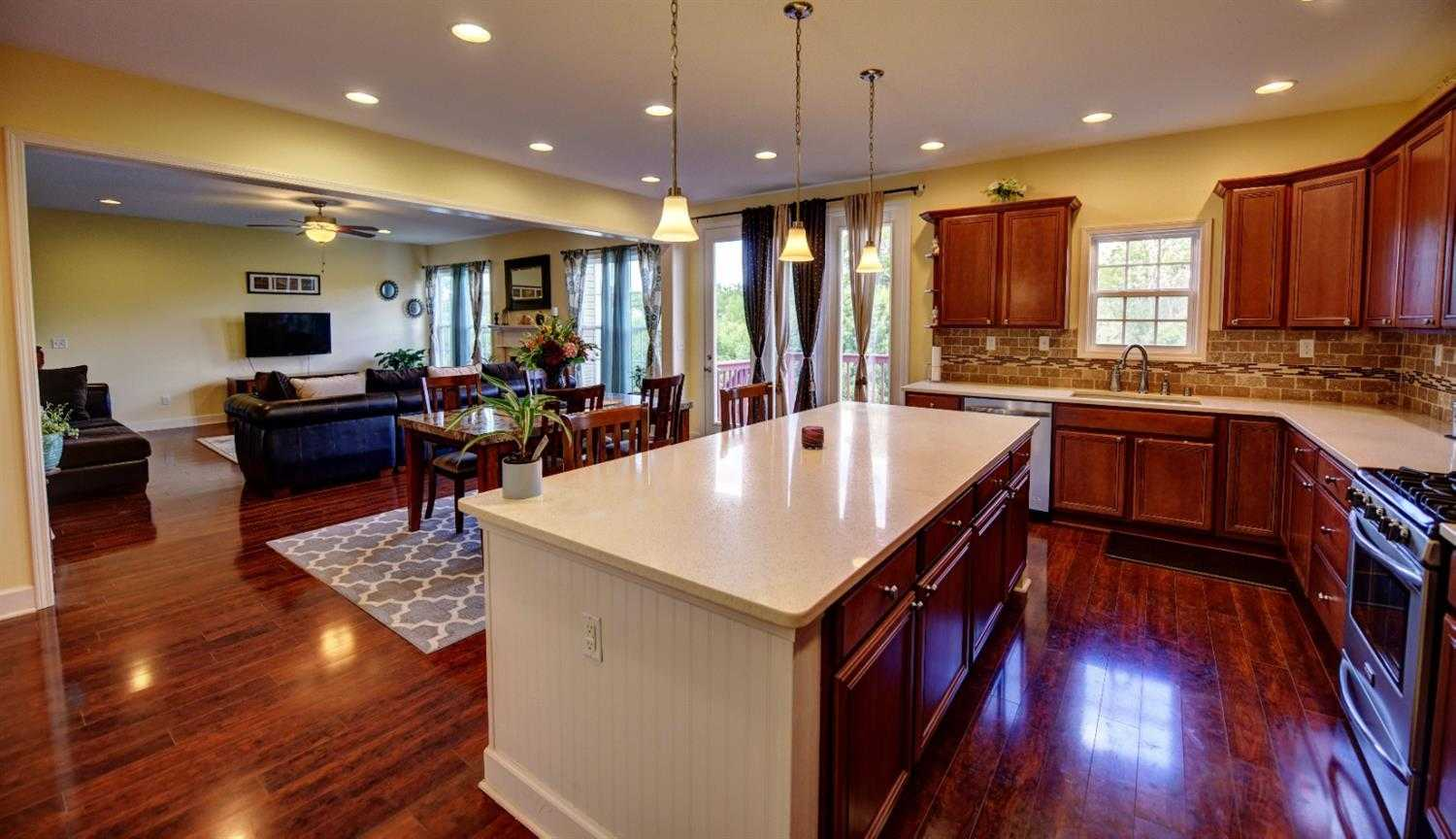 $342,000 - 4Br/3Ba -  for Sale in Willow Bend, Lexington