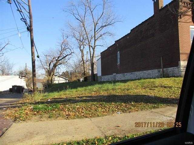 $6,000 - Br/Ba -  for Sale in St Louis Commons Add, St Louis