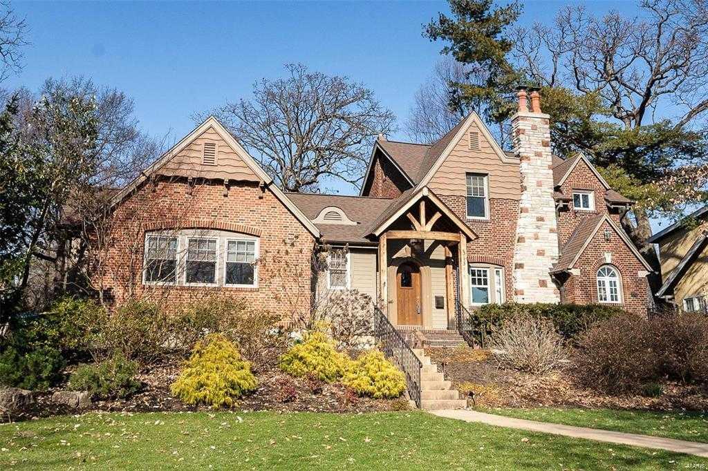 $850,000 - 4Br/4Ba -  for Sale in Alexander Russell, Webster Groves
