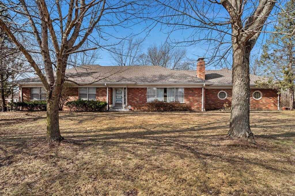 $409,900 - 3Br/3Ba - for Sale in Scheidt Estate Sub, St Louis