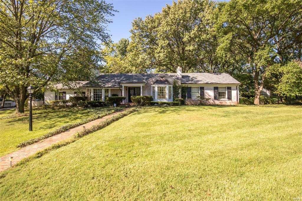 $464,900 - 3Br/3Ba -  for Sale in Ladue Edge Amd, Olivette