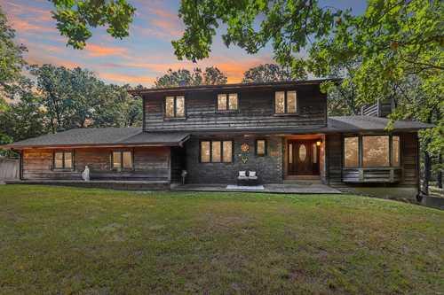 $450,000 - 3Br/3Ba -  for Sale in Cedar Trail Estate, Wentzville