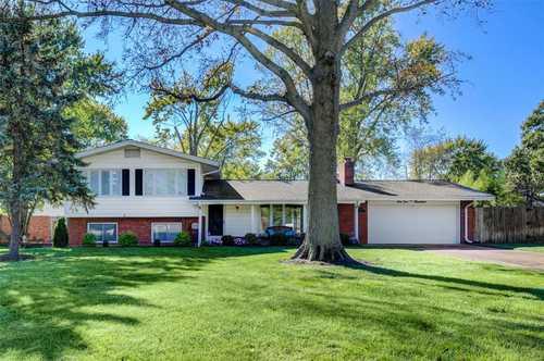 $359,900 - 3Br/2Ba -  for Sale in Dovercrest Estates, St Louis