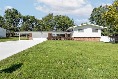 $334,900 - 4Br/3Ba -  for Sale in Indian Meadows, St Louis