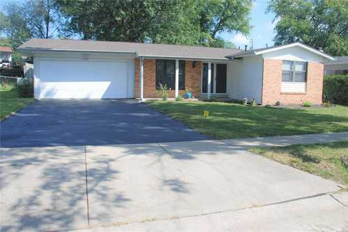 $209,900 - 3Br/2Ba -  for Sale in Fleetwood Terrace, Maryland Heights