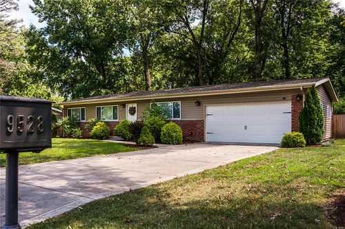 $395,000 - 4Br/3Ba -  for Sale in Indian Meadows, Olivette