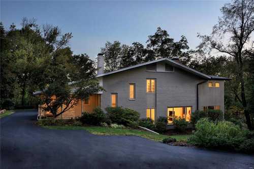 $810,000 - 4Br/3Ba -  for Sale in Oak Bend Sub, Ladue