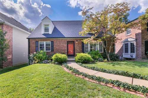 $449,900 - 4Br/2Ba -  for Sale in University View, St Louis