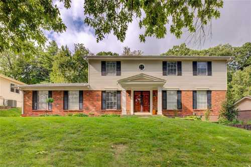 $425,000 - 5Br/3Ba -  for Sale in Fox Creek Estates 6, Ballwin