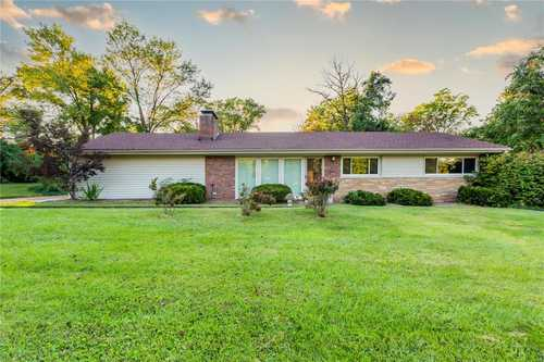 $449,900 - 3Br/3Ba -  for Sale in Tanglewood Amd, St Louis