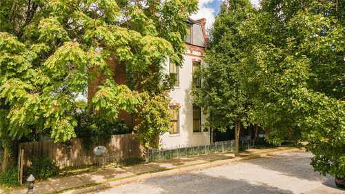 $379,900 - 3Br/4Ba -  for Sale in Kingsburys Add, St Louis