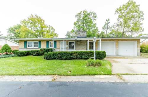 $199,000 - 3Br/2Ba -  for Sale in Stadium Heights, St Charles
