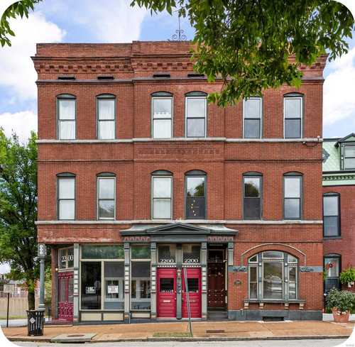 $300,000 - 2Br/3Ba -  for Sale in Soulard, St Louis