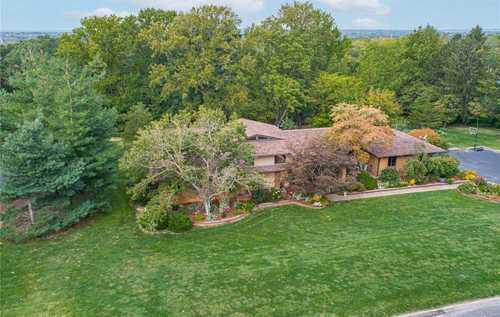 $839,000 - 5Br/5Ba -  for Sale in Ladue Pines 3, Creve Coeur