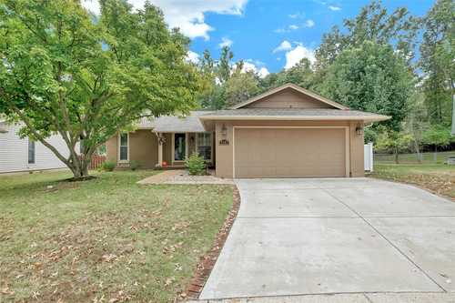 $324,900 - 3Br/3Ba -  for Sale in Pheasant Run 4, Maryland Heights