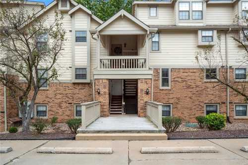 $134,000 - 2Br/1Ba -  for Sale in Parkside Condo, Maryland Heights