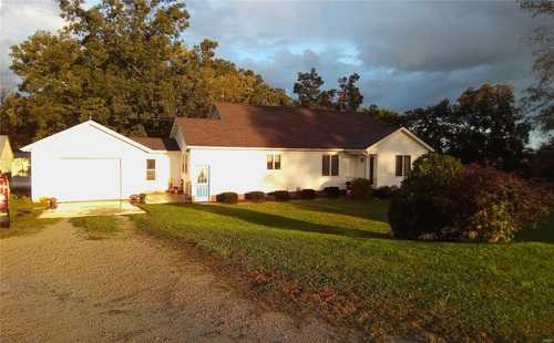 $125,000 - 3Br/1Ba -  for Sale in Posey (original Town), Carlyle