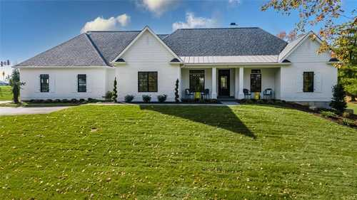$1,295,000 - 5Br/5Ba -  for Sale in Meadowbrook Country Club Estates, Ballwin