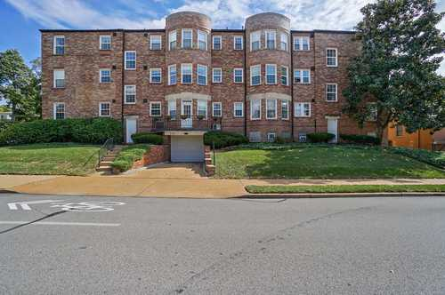 $179,900 - 2Br/1Ba -  for Sale in 700 South Brentwood Condo, St Louis
