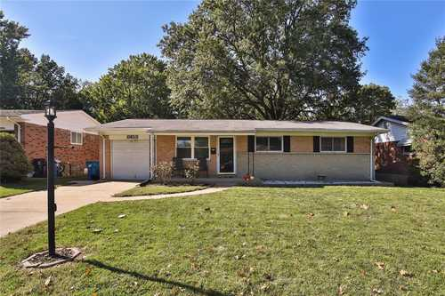 $195,000 - 3Br/3Ba -  for Sale in Carriage Hill, St Louis