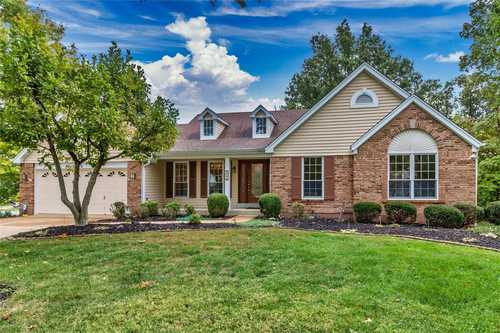 $395,000 - 3Br/3Ba -  for Sale in Log Hill Estates, Ballwin