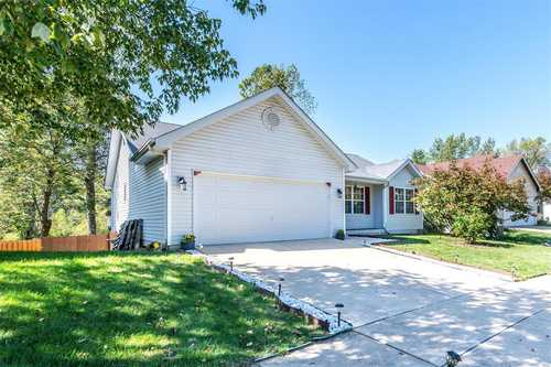 $269,900 - 3Br/2Ba -  for Sale in David Meadows Estates, Maryland Heights