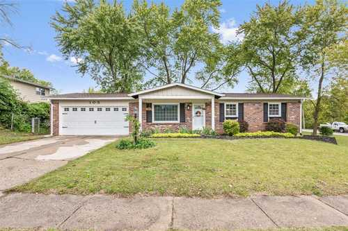 $229,900 - 3Br/2Ba -  for Sale in Briarcliff #1, St Charles