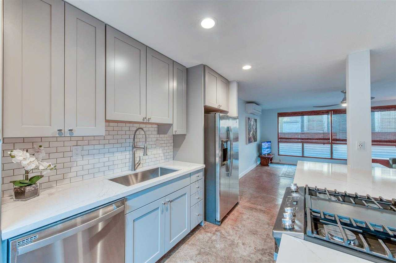 $810,000 - 4Br/3Ba -  for Sale in Paia
