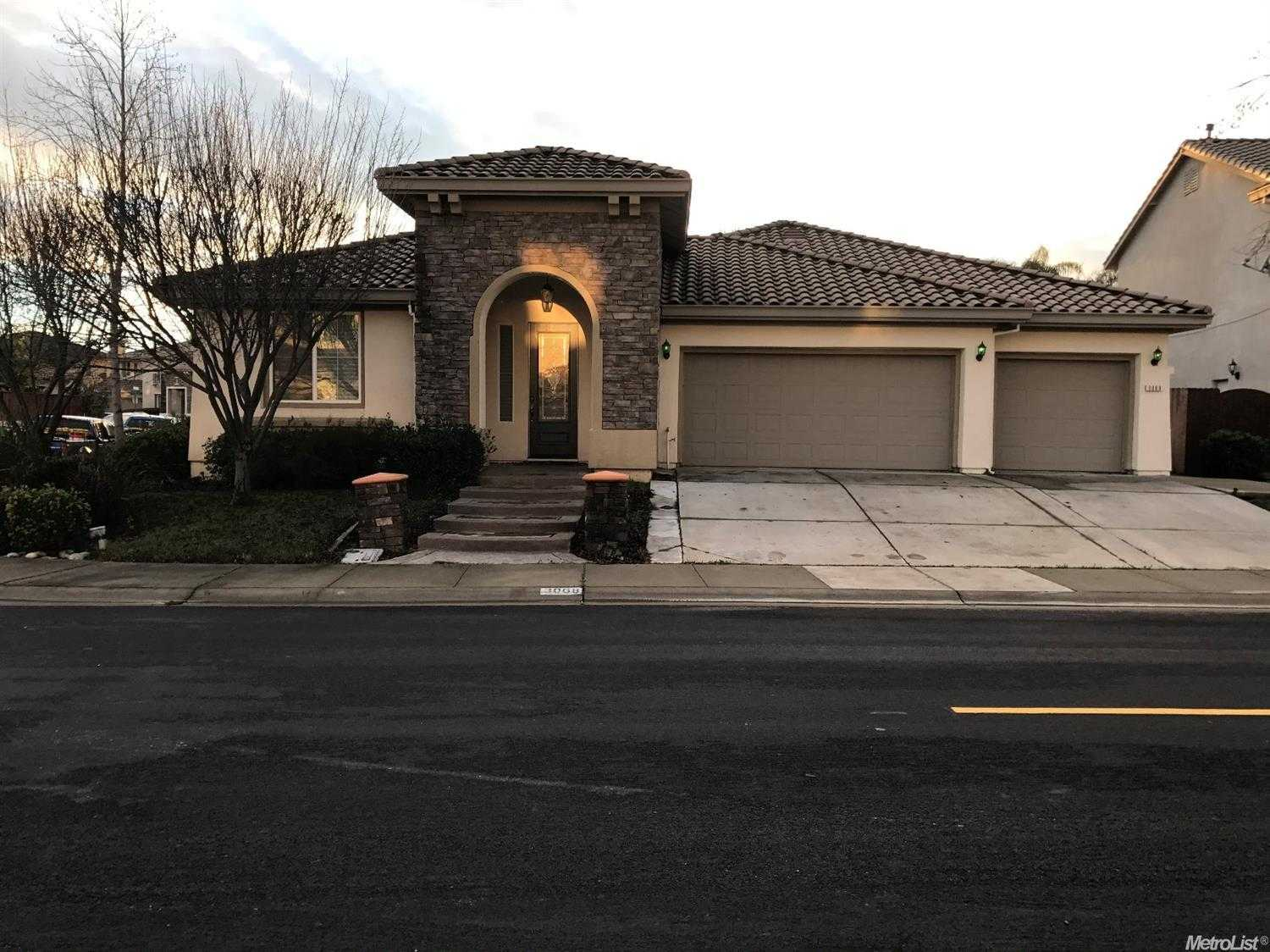 $375,000 - 4Br/3Ba -  for Sale in Sacramento