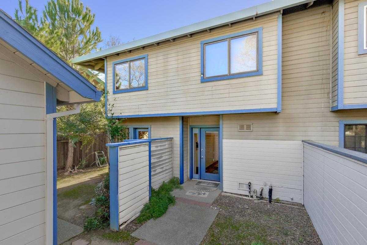 $615,000 - 3Br/3Ba -  for Sale in Davis