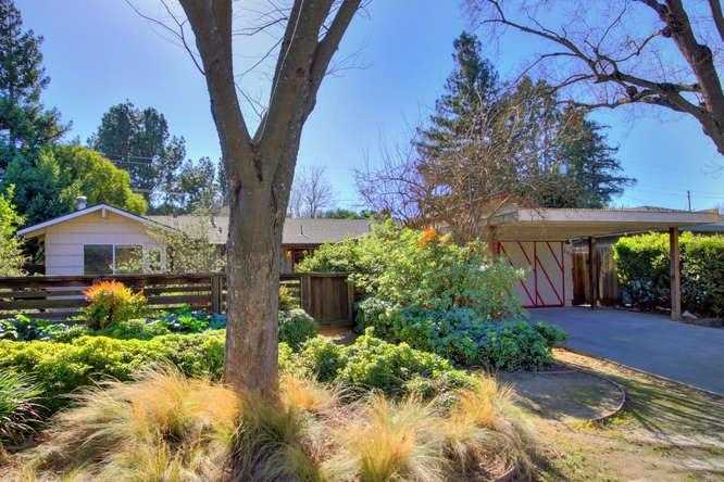 $724,000 - 4Br/3Ba -  for Sale in Davis