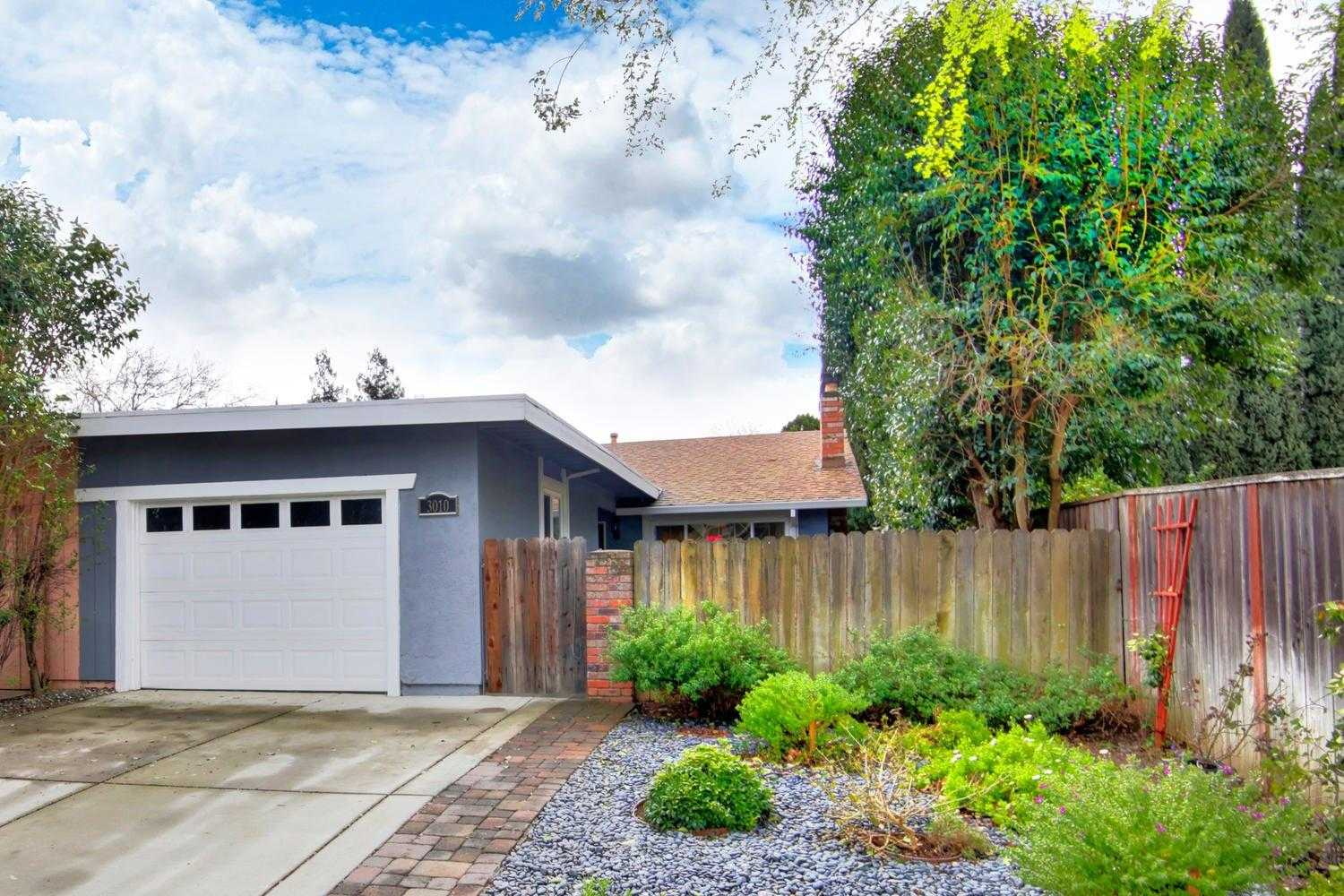 $475,000 - 3Br/2Ba -  for Sale in Davis