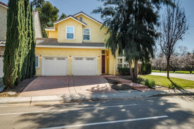 $745,000 - 4Br/3Ba -  for Sale in Sd3621 Quail Ridge #3 L68-a, Davis