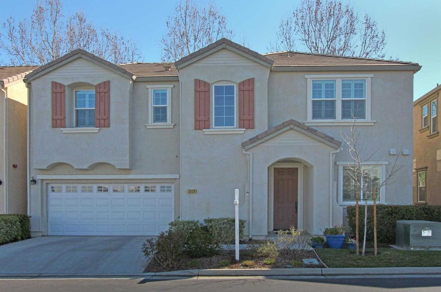 $689,000 - 3Br/3Ba -  for Sale in Verona, Davis