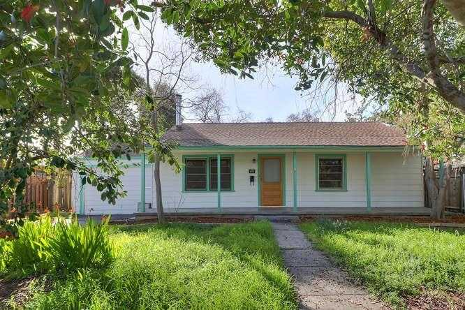 $585,000 - 3Br/2Ba -  for Sale in Davis