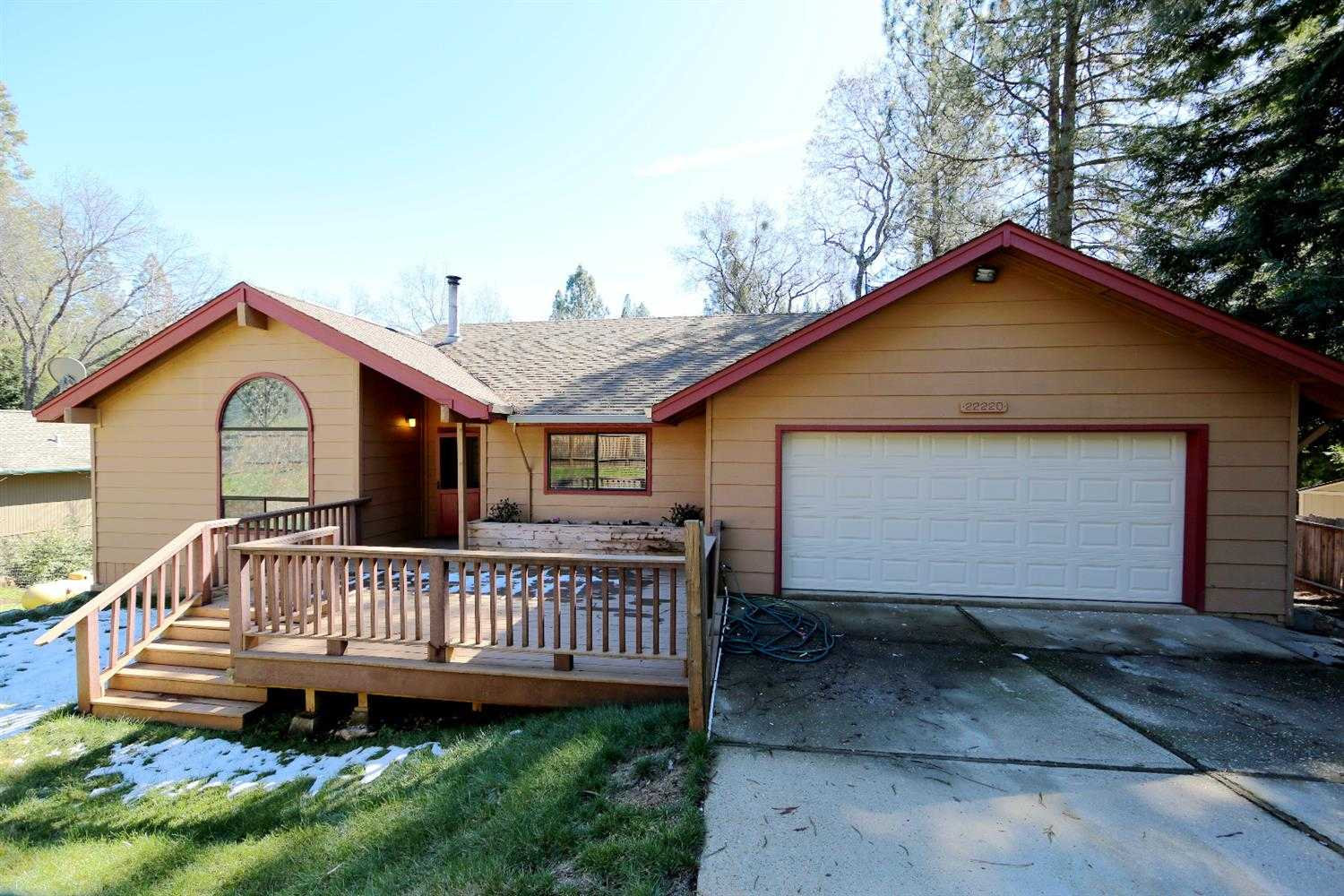 $299,000 - 3Br/2Ba -  for Sale in Pine Grove