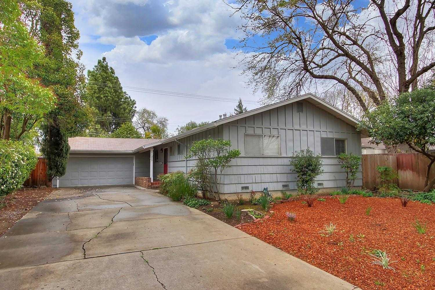 $670,000 - 3Br/2Ba -  for Sale in Davis