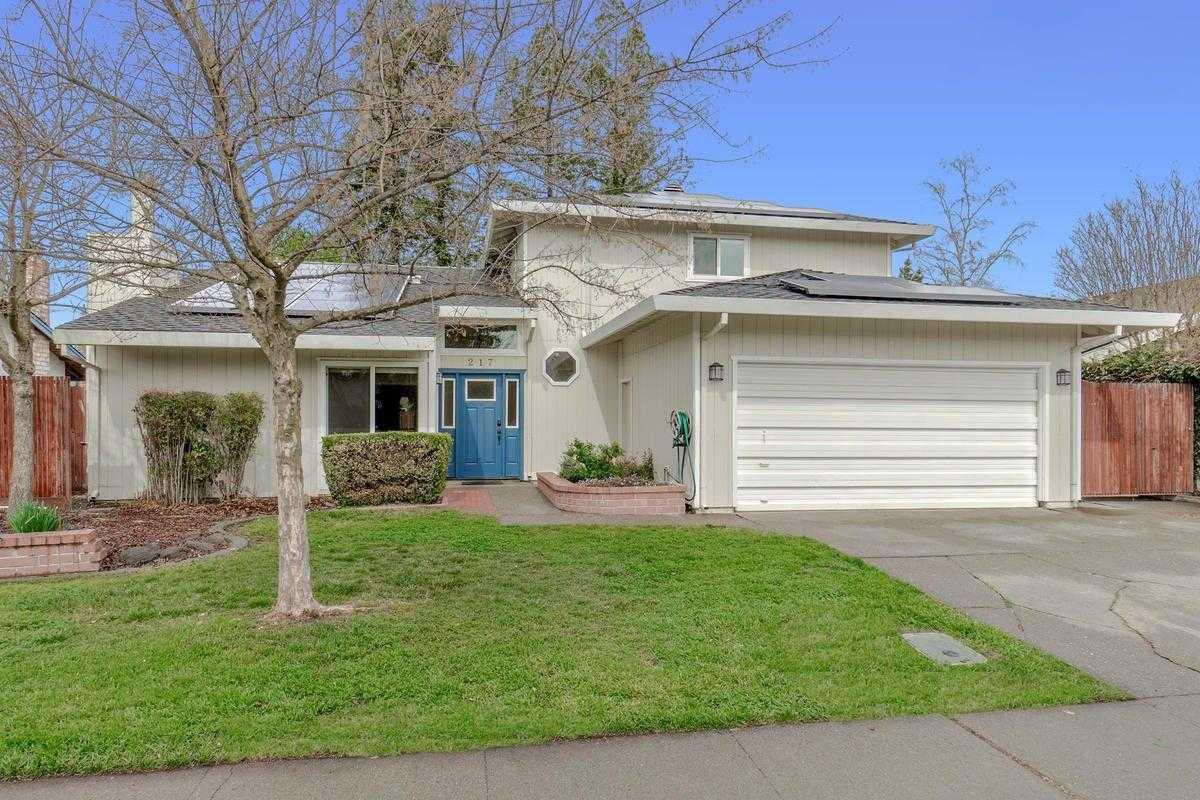 $799,000 - 6Br/3Ba -  for Sale in Davis
