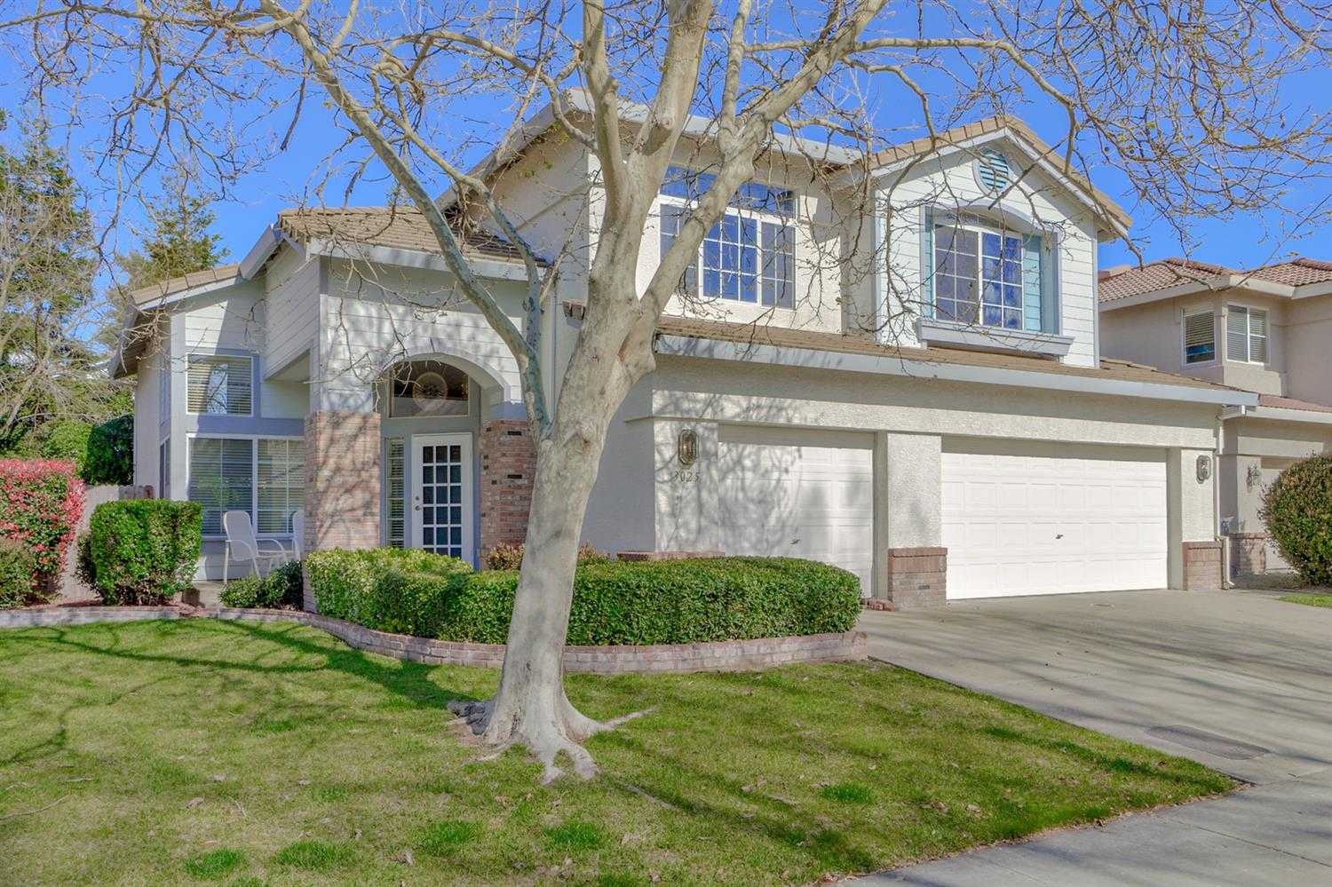$829,000 - 5Br/3Ba -  for Sale in Mace Park Rench 03, Davis