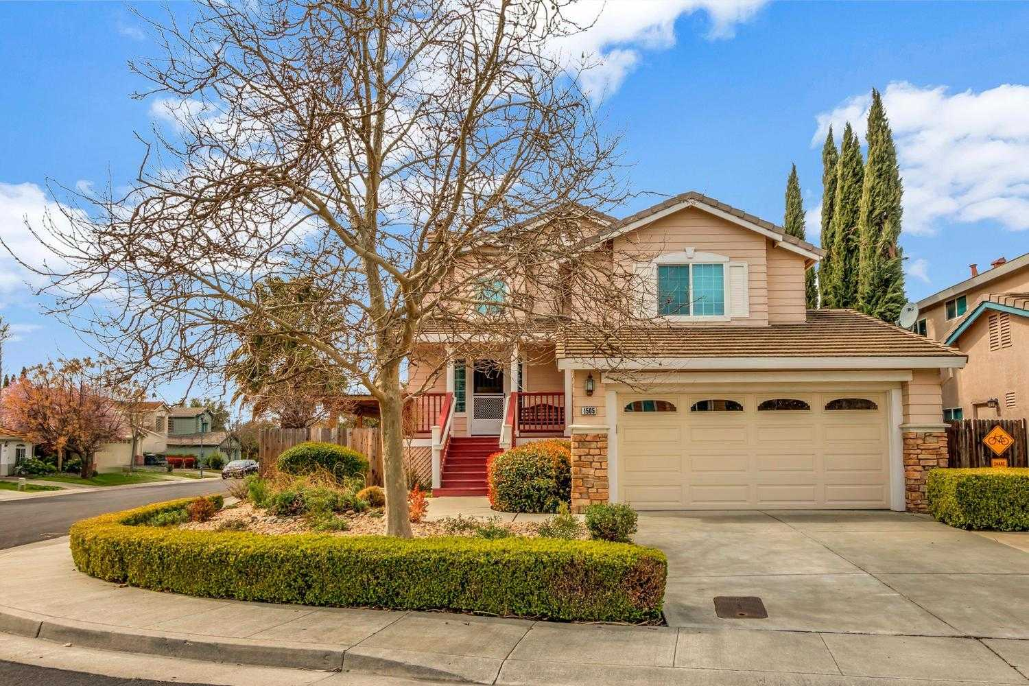 $665,000 - 3Br/3Ba -  for Sale in Davis