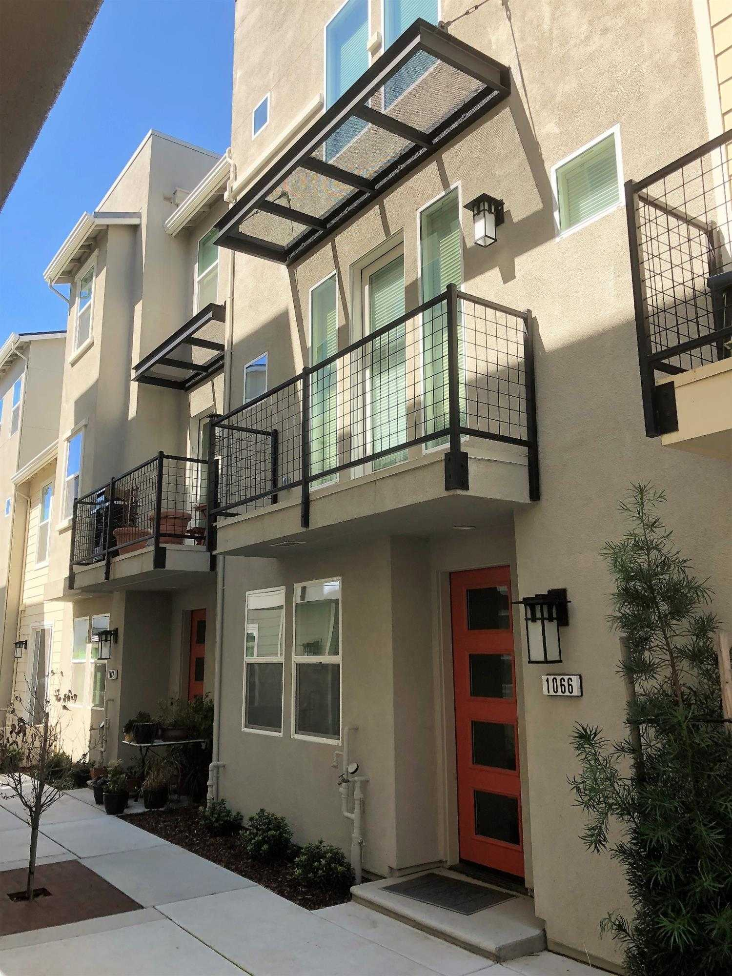 $525,000 - 2Br/3Ba -  for Sale in The Cannery, Davis