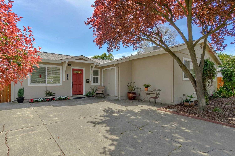 $585,000 - 3Br/2Ba -  for Sale in Davis