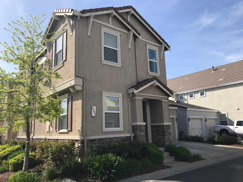 $299,000 - 2Br/3Ba -  for Sale in Sacramento