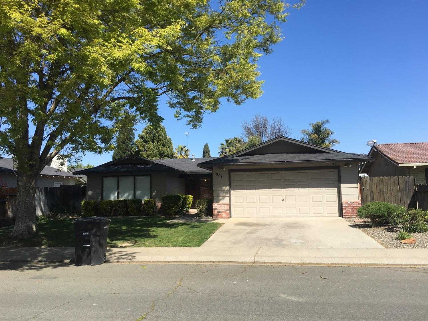 $295,000 - 3Br/2Ba -  for Sale in Wesson Estates 03, Modesto