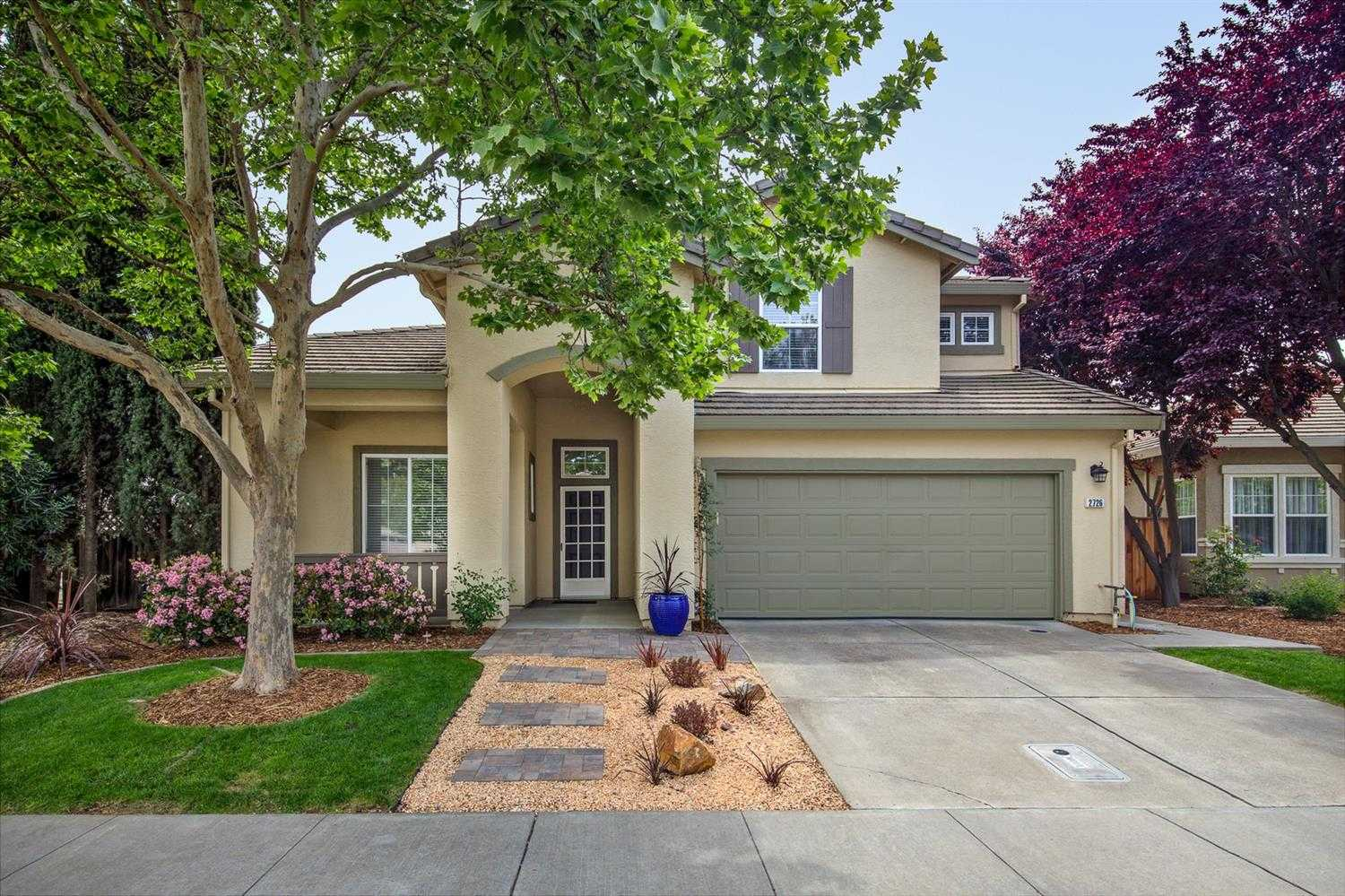 $934,000 - 5Br/3Ba -  for Sale in Wildhorse, Davis