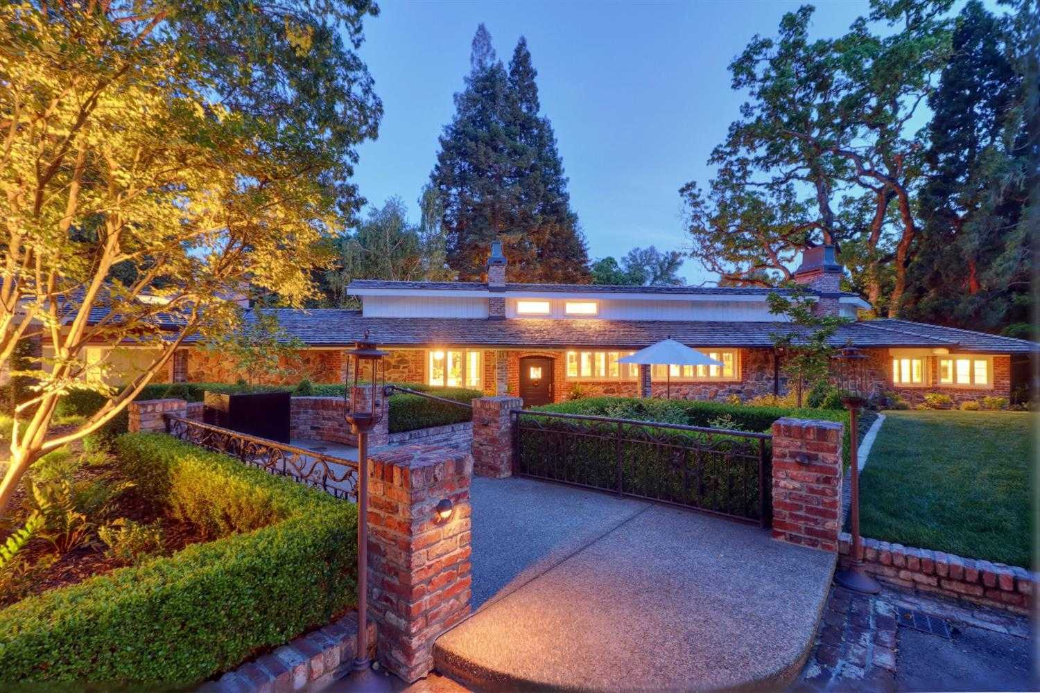 $2,775,000 - 3Br/4Ba -  for Sale in Sacramento