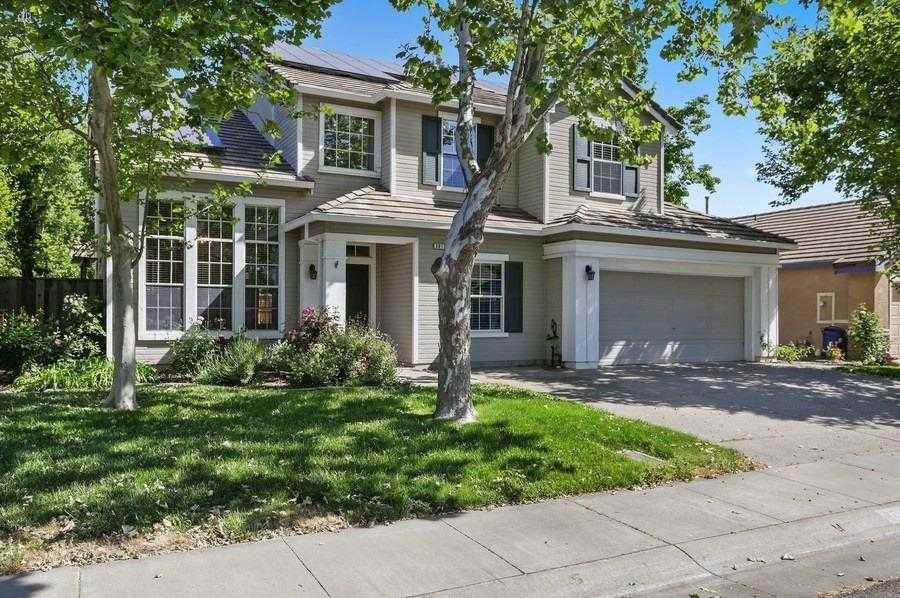 $895,000 - 5Br/3Ba -  for Sale in Davis